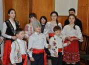 Участники школьной и клубной самодеятельности поздравили руководство Государственной администрации города и района с рождественскими святками