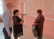 В Приднестровье вручают подарки семьям, в которых в этом году родились дети.